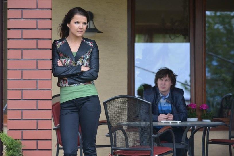 Wkrótce Między Martą (Joanna Jabłczyńska) a jej byłym mężem Filipem (Marcin Chochlew) wybuchnie prawdziwa wojna /Agencja W. Impact