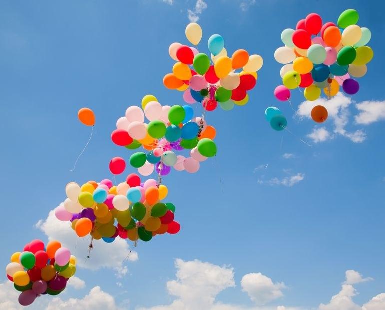 Wkrótce napełnianie balonów helem będzie zakazane? /123RF/PICSEL