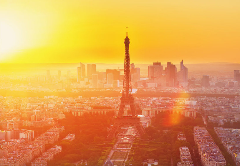Wkrótce w Paryżu nie zjemy już nic z plastikowego talerzyka? /123RF/PICSEL