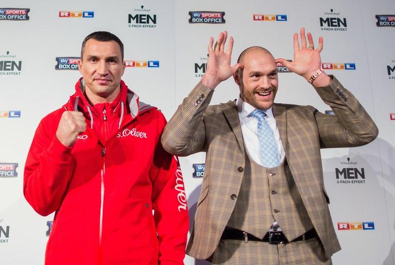 Władimir Kliczko i Tyson Fury zmierzą się w najbliższą sobotę w Duesseldorfie /AFP