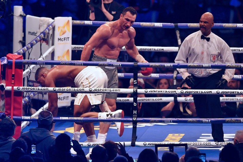 Władimir Kliczko w walce z Anthonym Joshuą /AFP
