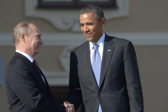 Władimir Putin i Barack Obama podczas otwarcia szczytu wymienili się uściskami dłoni, później się unikali /SERGEY GUNEEV /PAP/EPA