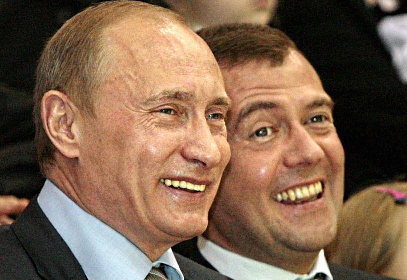 Władimir Putin i Dmitrij Miedwiediew /AFP