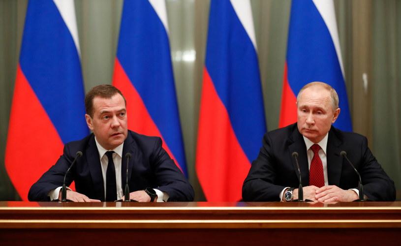 Władimir Putin i Dmitrij Miedwiediew /DMITRY ASTAKHOV / SPUTNIK  /PAP/EPA