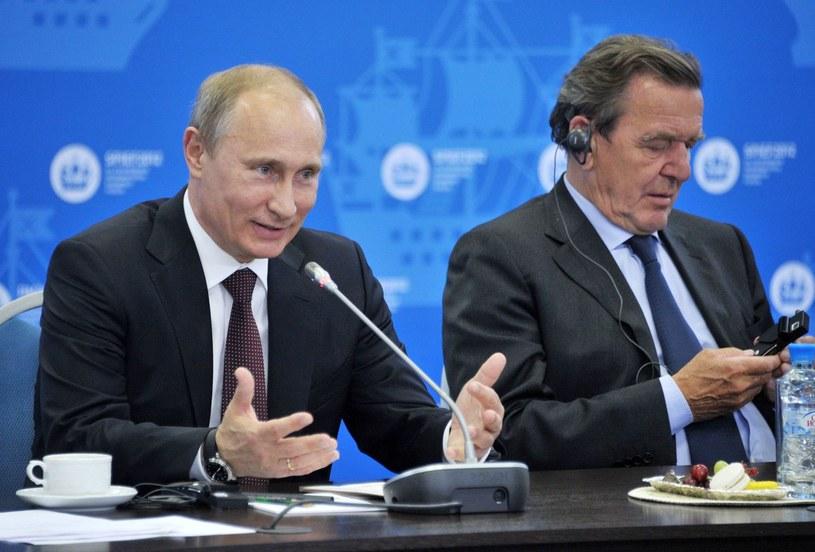 Władimir Putin i Gerhard Schroeder /AFP