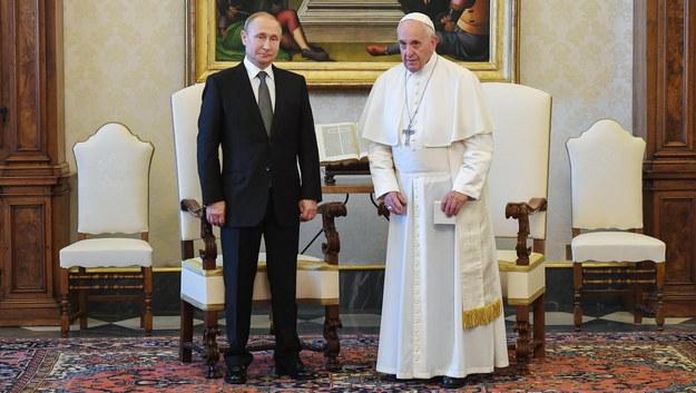 Władimir Putin i papież Franciszek /ALESSANDRO DI MEO / POOL /PAP/EPA