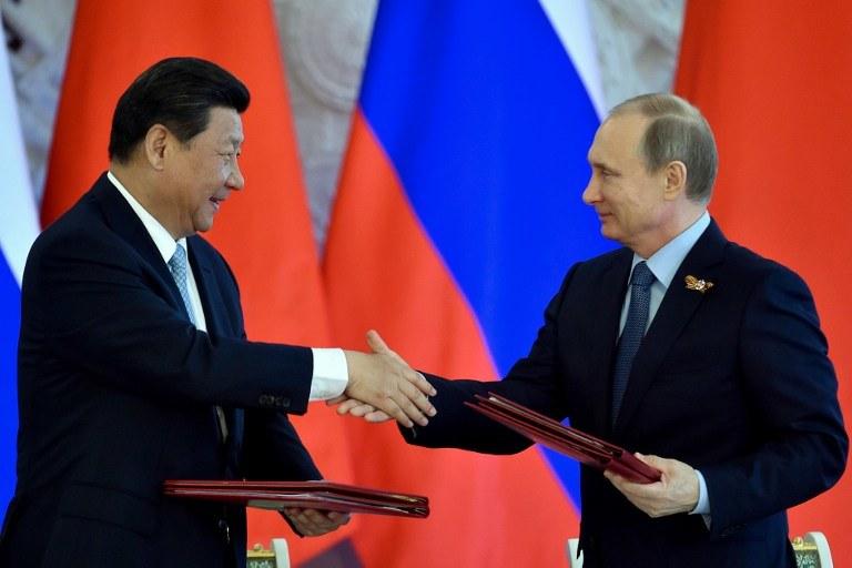 Władimir Putin i Xi Jinping, przewodniczący Chińskiej Republiki Ludowej /AFP
