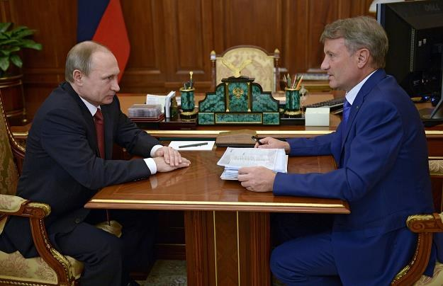 Wladimir Putin (L) i German Gref, szef Sbierbanku /AFP