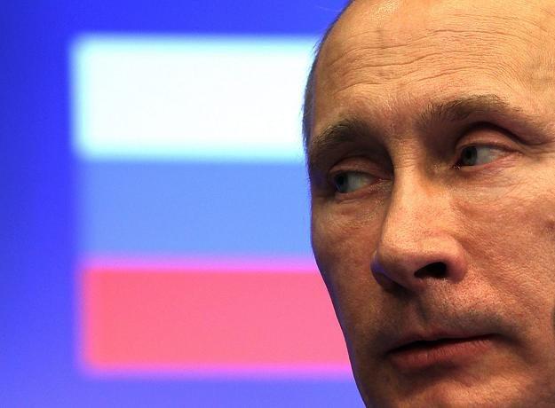 Władimir Putin (L), prezydent Rosji, dzisiaj w Brukseli /EPA