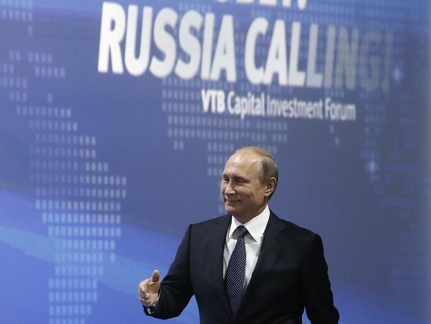 """Władimir Putin na konferencji"""" Rosja wzywa!"""" /AFP"""