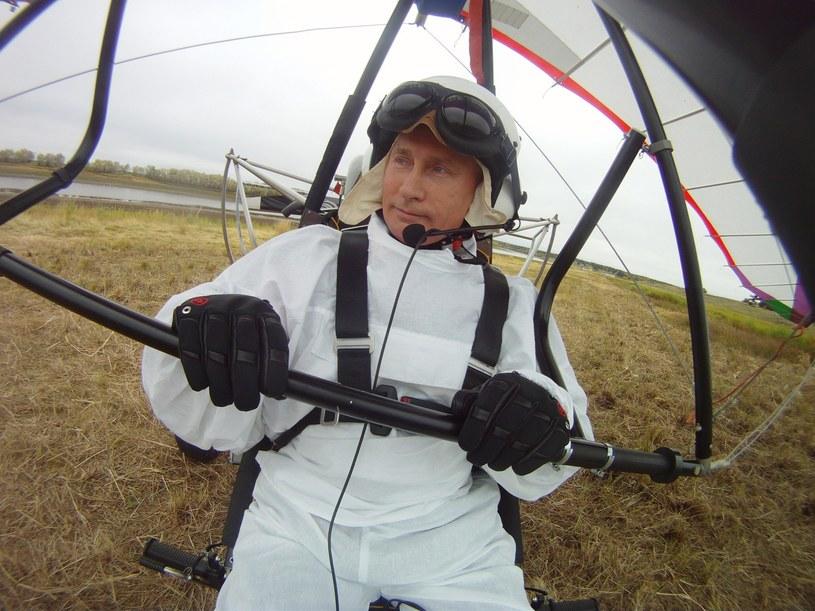 Władimir Putin na motolotni /Sputnik /East News