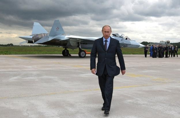 Władimir Putin na tle T-50 /AFP
