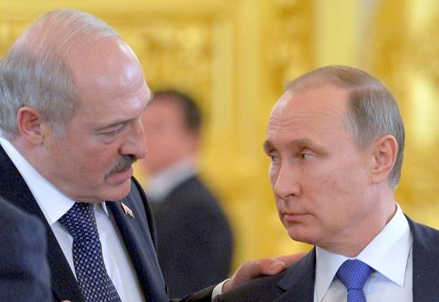 Władimir Putin (P) i Aleksander Łukaszenka, prezydent Białorusi /IAR/PAP