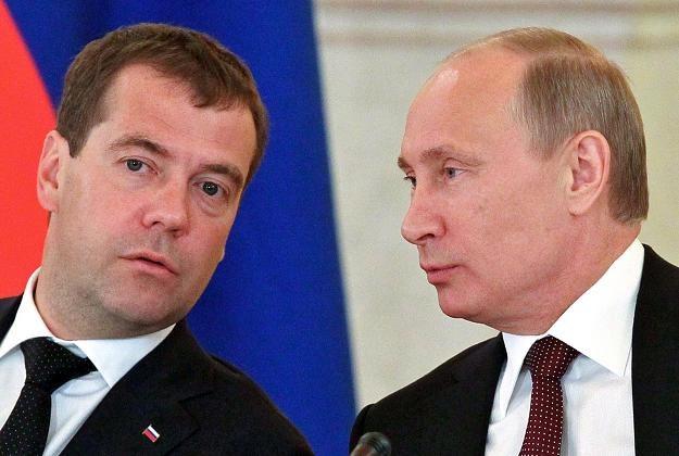 Władimir Putin (P) i Dmitri Miedwiediew (L), liderzy Jednej Rosji /AFP