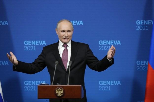 Władimir Putin podczas konferencji prasowej /ALEXANDER ZEMLIANICHENKO/POOL    /PAP/EPA