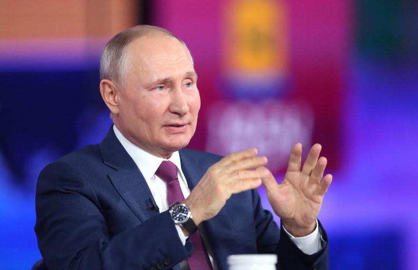 Władimir Putin podczas telekonferencji /PAP/EPA/SERGEI SAVOSTYANOV /SPUTNIK/ KREMLIN POOL /PAP