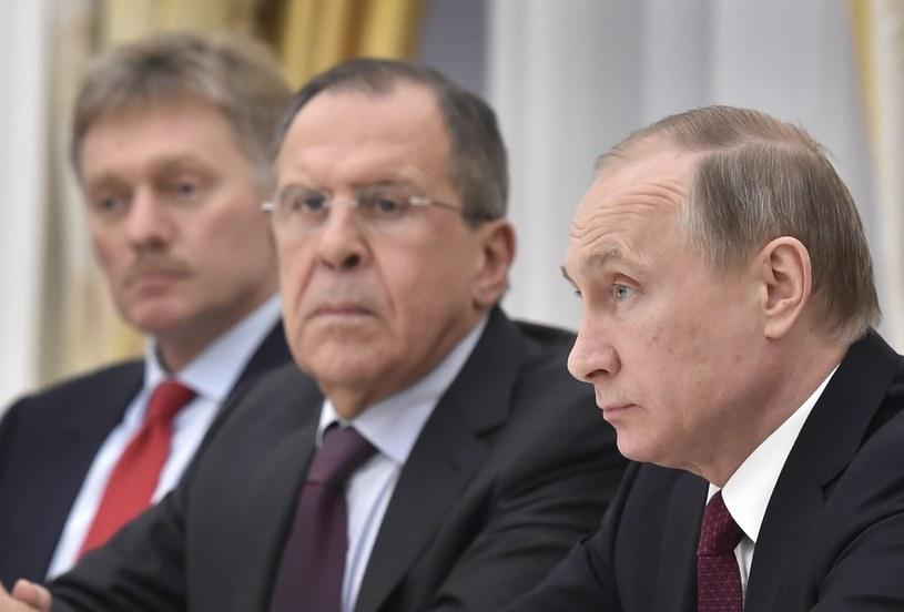 Władimir Putin, Siergiej Ławrow i Dmitrij Pieskow /AFP