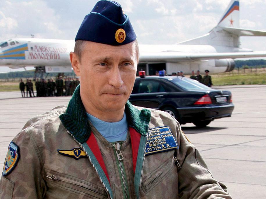 Władimir Putin w mundurze lotniczym [zdj. archiwalne] /PRESIDENTIAL PRESS SERVICE/ITAR-TASS POOL /PAP/EPA