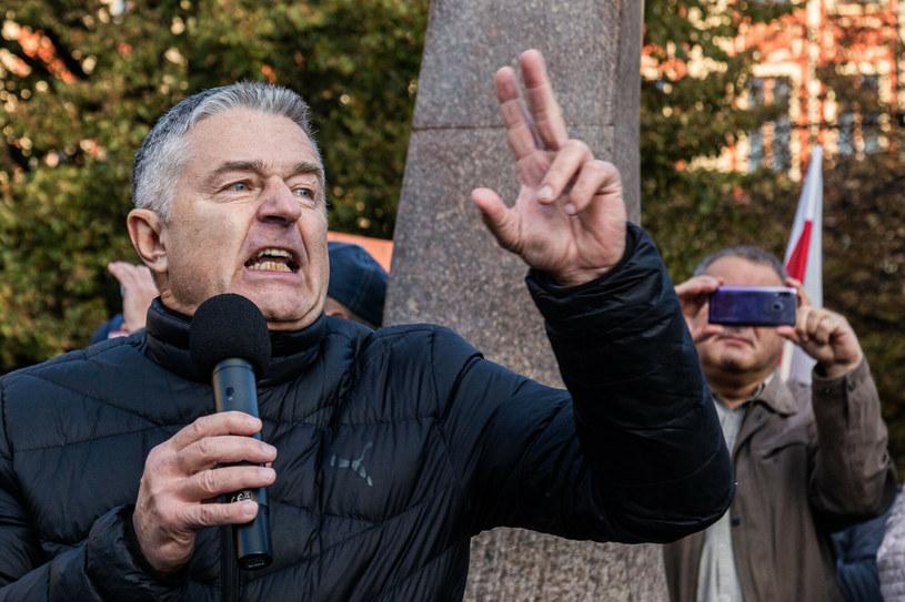 Władysław Frasyniuk podczas prounijnego zgromadzenia we Wrocławiu /Krzysztof Kaniewski /Reporter
