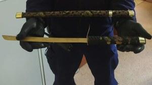 Władysławowo: 57-latek groził ratownikom samurajskim mieczem