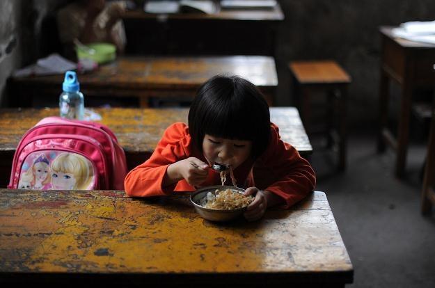Władze chińskie wprowadziły politykę jednego dziecka w 1977 roku /AFP