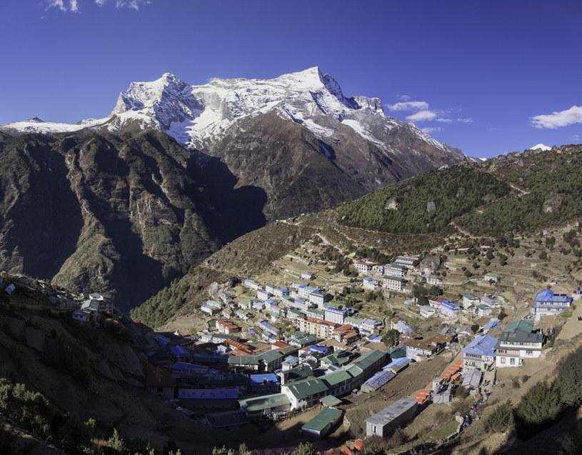 Władze otwierają Himalaje dla zagranicznych turystów pomimo koronawirusa /robertharding /East News