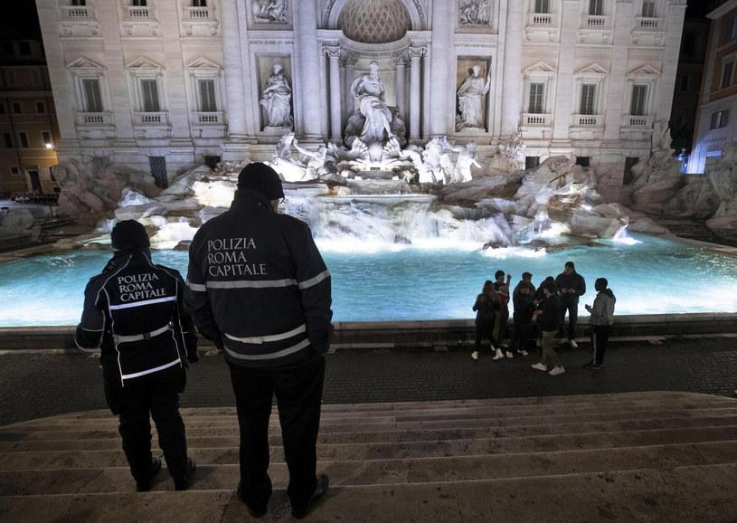 Władze Włoch podejmują kolejne kroki w związku z epidemią /MASSIMO PERCOSSI /PAP/EPA