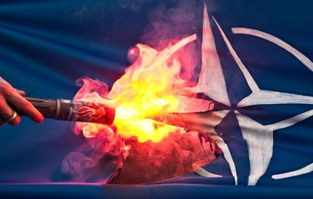 Włamanie Anonimowych to kolejny cyberatak na NATO w ostatnim czasie /AFP