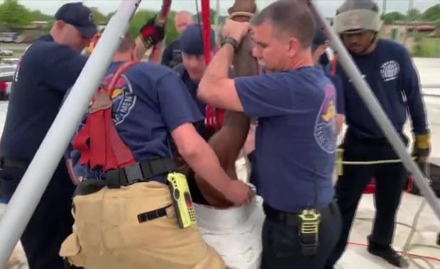 Włamywacz utknął w kanale wentylacyjnym. Uratowali go strażacy
