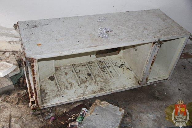 Włamywacz z Woli schował się w tej lodówce /Policja