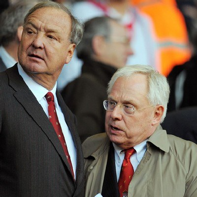 Właściciele Liverpoolu - Tom Hicks Jr (z lewej) i George Gillett /AFP