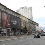 Właściciele reklam szpecących warszawskie kamienice zapłacą kary