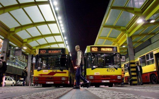 Właściciele samochodów będą mogli w czwartekza darmo korzystać z transportu/fot. M. Niwicz /Agencja SE/East News