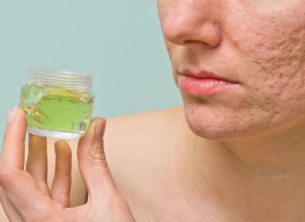 Właściwa dieta może mieć istotny wpływ na leczenie dolegliwości skórnych /123RF/PICSEL