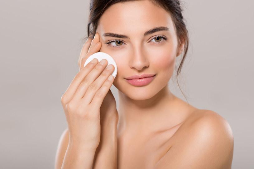 Właściwa dieta to jedna z form pielęgnacji skóry /123RF/PICSEL