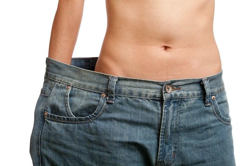 Właściwe BMI to klucz do zachowania zdrowego wyglądu /123RF/PICSEL