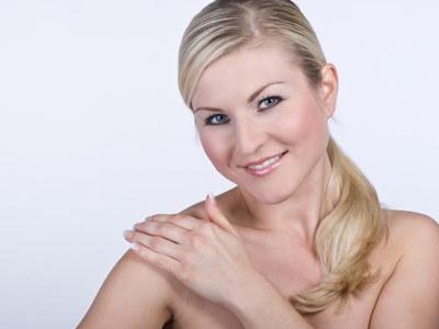 Właściwe i regularne wykonywanie kosmetycznych zabiegów jest podstawą pielęgnacji  /© Panthermedia