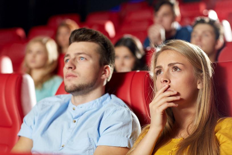 Właściwie dobrany film może oddziaływać na widza terapeutycznie /123RF/PICSEL