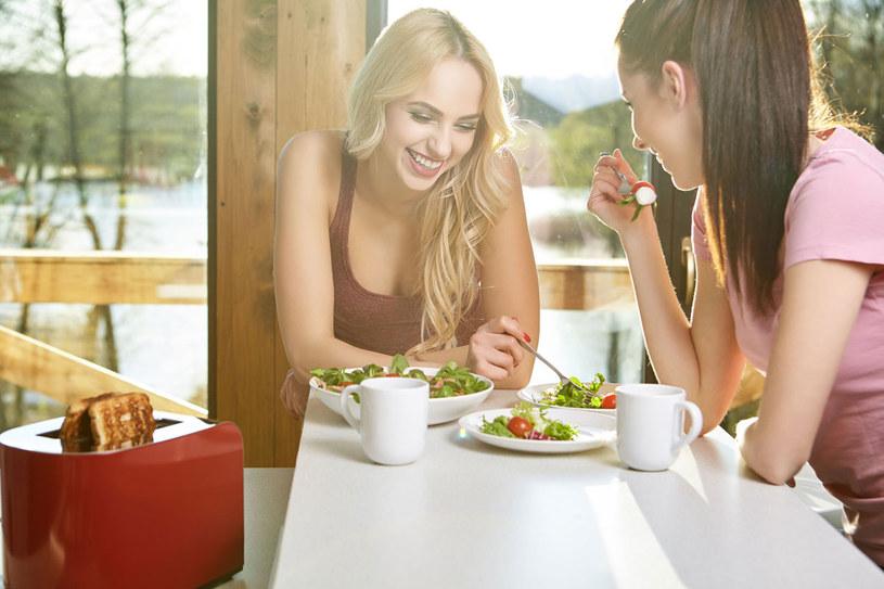 Wlaściwie skomponowane posiłki zapewnią dobre samopoczucie /123RF/PICSEL