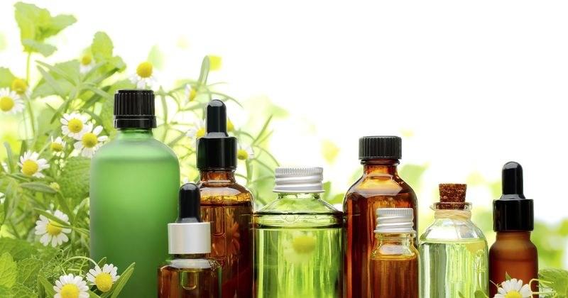 Właściwości olejków eterycznych /© Photogenica