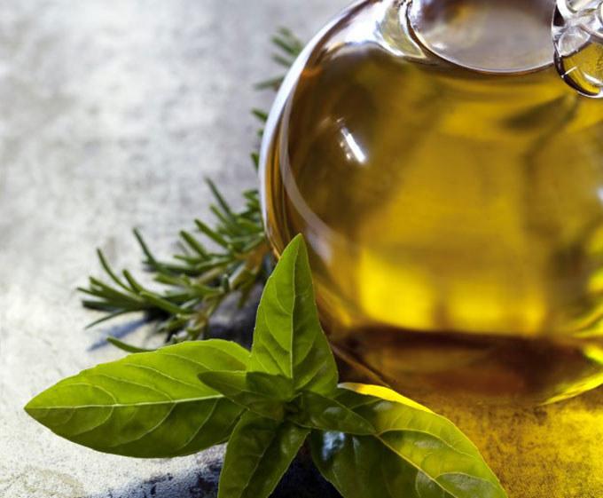 Właściwości olejku z kadzidłowca /© Photogenica