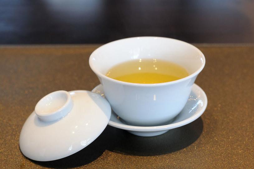 Właściwości żółtej herbaty /©123RF/PICSEL