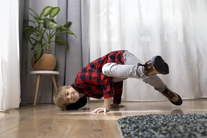Właściwy rozmiar materaca dla dziecka wesprze go w prawidłowym rozwoju /materiały promocyjne