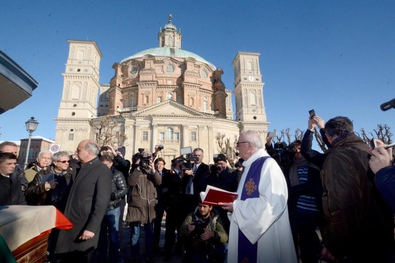 Włochy: Kontrowersje wokół sprowadzenia szczątków króla Wiktora Emanuela III /Raffaele Sasso/ANSA/AP /East News