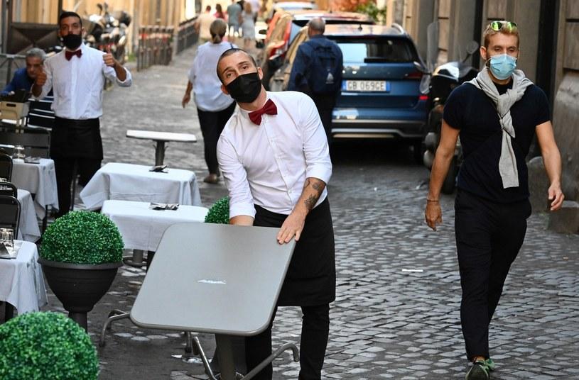 Włochy mierzą się z drugą falą koronawirusa /AFP