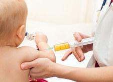 Włochy: Pierwsza kara dla antyszczepionkowców, za fake news