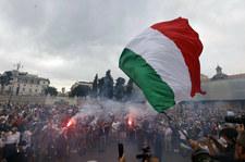 Włochy: Protesty przeciw przepustce covidowej