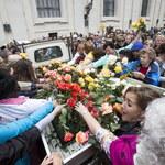 Włochy: Róża z Ekwadoru pamiątką z kanonizacji