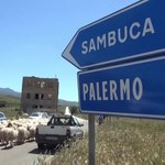 """Włochy: Sprzedaż domów za euro okazała się sukcesem. """"Żyją tu ludzie z całego świata"""""""