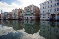 Włochy: Tłumy turystów w Wenecji. Przepełnione parkingi